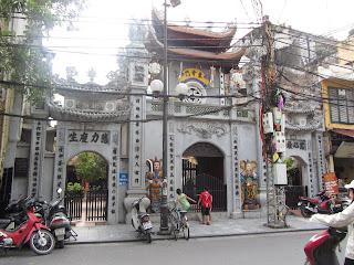 0025The_Streets_of_Hanoi