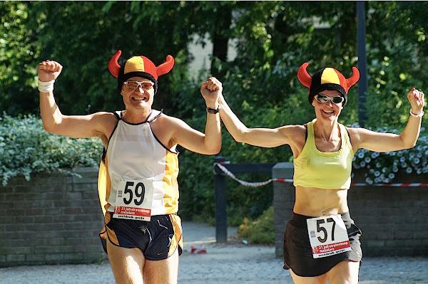 Tom Bonte en Nancy Vandemoortele in 21 juli stratenloop