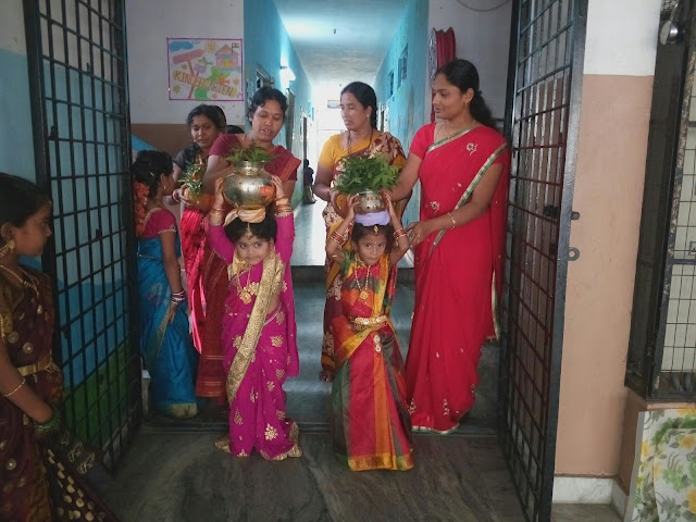 Delhi Lal Darwaja Bonaalu 2019 Begins With Festivities