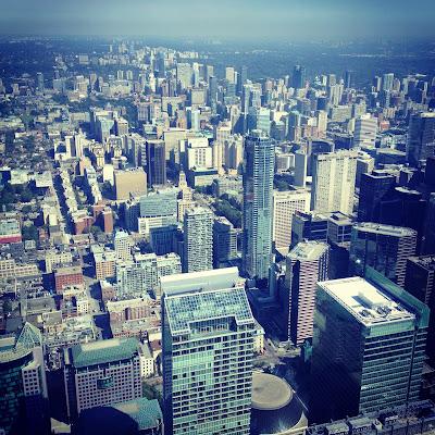 LookAtIsrael.com – Фотографии Израиля и не только…: LookAtCanada.com / Большое канадское путешествие начинается! Тут столько всякого про меня и о том как я готовился к путешествию, что аж самому стало интересно | LookAtIsrael.com - Фотографии Израиля и не только... Вид на Торонто с CN Tower