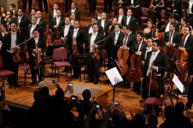 La Simón Bolívar y su director musical Gustavo Dudamel luego del exitoso debut en el Palau e la Música Catalana