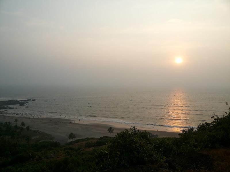 sunset chapora fort beach goa