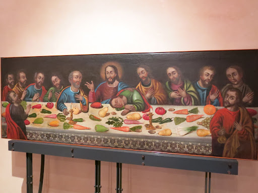 Another interesting Latin American take of the Last Supper (the one in Cuzco had guinea pig on a plate in front of Jesus). This one has chilli peppers.