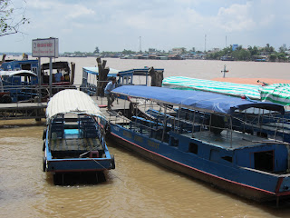 0007A_Day_on_the_Mekong