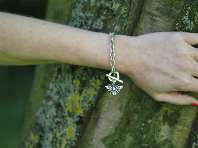 Danon Swarovski set bee charm bracelet