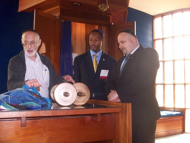 IVLP 2010 - Visit to Jewish Synagogue in IOWA - 100_0847.JPG