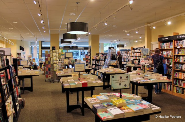 Waterstones Brussel (Le petit requin)