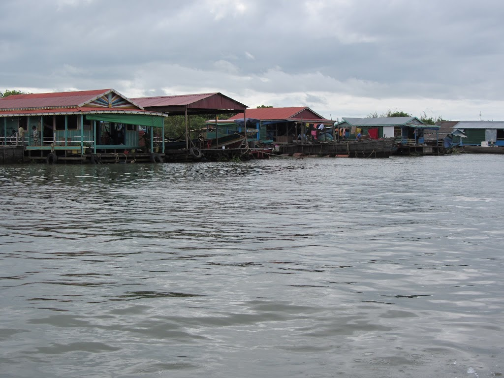 0026Tonle_Sap_Lake_Floating_Village