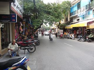 0040The_Streets_of_Hanoi