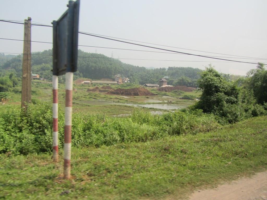 0027The_Road_to_Mai_Chau