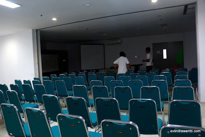 Hip's Meeting Room