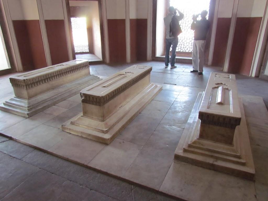 1100Humayuns Tomb