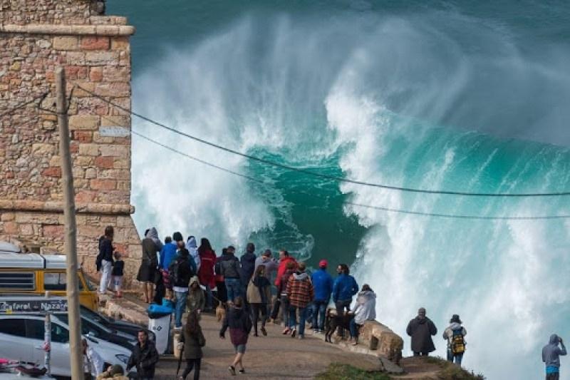 nazare-big-waves-8