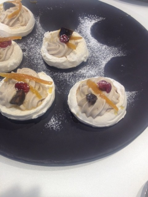 Festive Meringues with chestnut puree