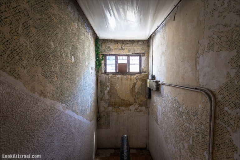 Дома изнутри - Квартира Разруха в Тель Авиве   Houses from within Tel Aviv - Disintegration   בתים מבפנים - התפוררות   LookAtIsrael.com - Фото путешествия по Израилю