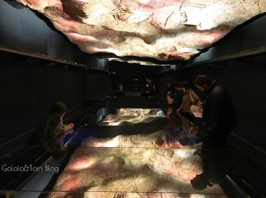 reproducción de pinturas de las cuevas de altamira