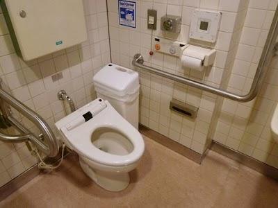 橋本奈々未が盗撮された可能性のあるトイレ