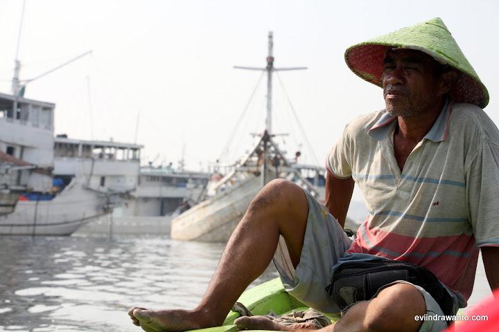 Bapak Pengemudi Perahu