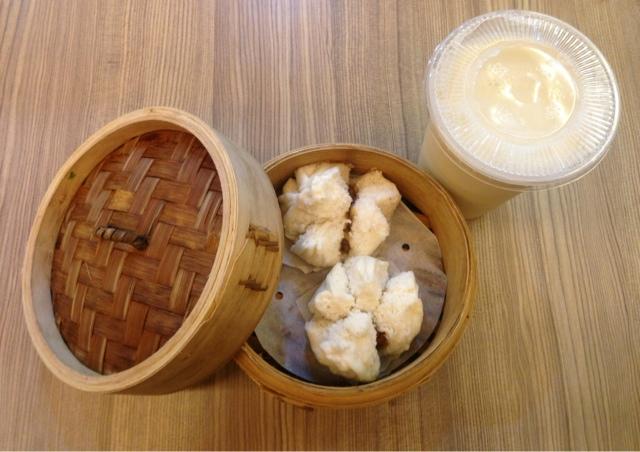 Barbeque pork bun char siu bao cold soybean milk Tai Pei international airport food