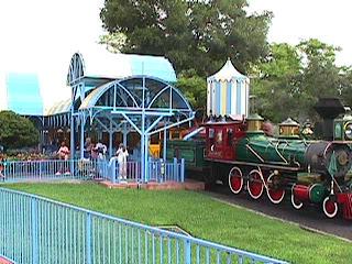 2520Magic Kingdom Train