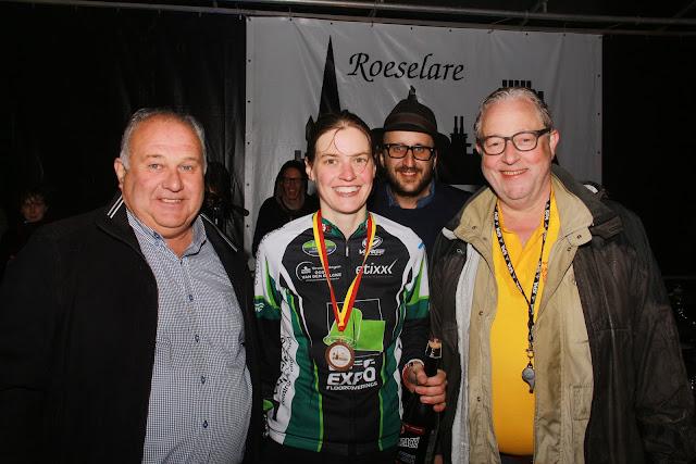Elke Verleyen won de Krottegemse corrida voor dames 2015