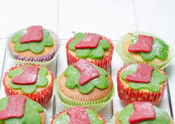 Cupcakes cu lamaie si martipan