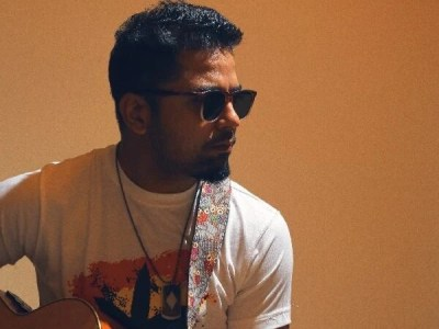 Spotify 60 Second Concert spotlights Umer Farooq to celebrate the release of Taaray