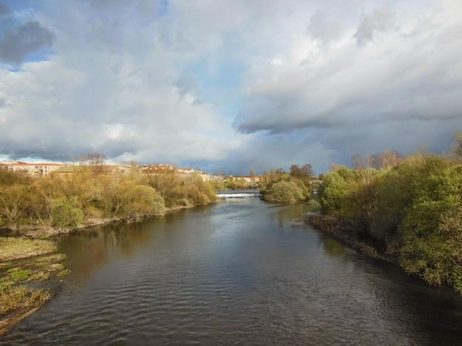 Río Tormes a su paso por Salamanca