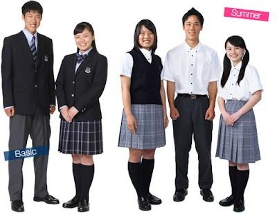 霞ヶ浦高等学校の女子の制服1