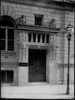 Lessingstraße 7, Haus des Handwerks (Gewerbekammer Leipzig), Eingangsportal; um 1920, Fotograf: Hermann Walter (Atelier)