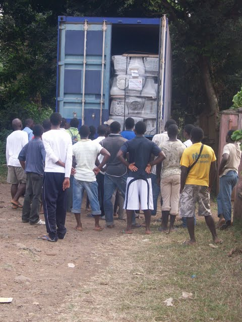 Container Arrival & Offloading in Buea - 100_9061.JPG