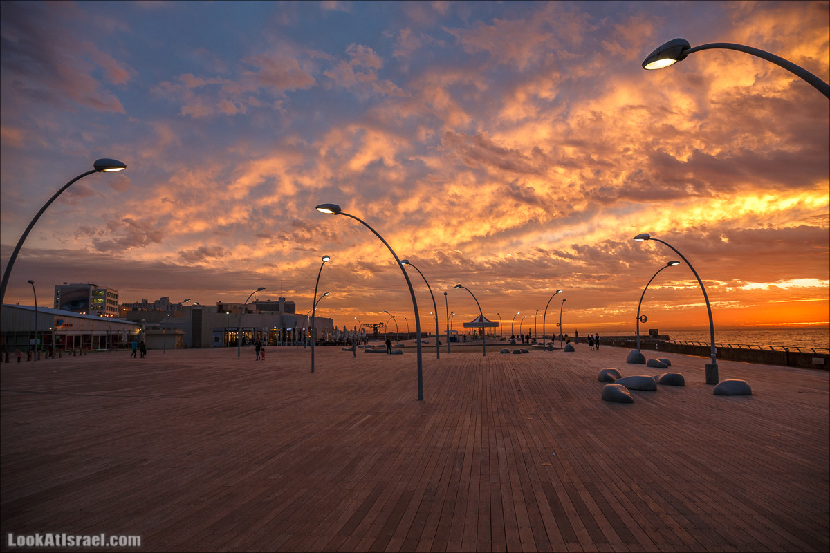 Закат в порту Тель-Авива | Sunset in Tel Aviv port | LookAtIsrael.com - Фото путешествия по Израилю