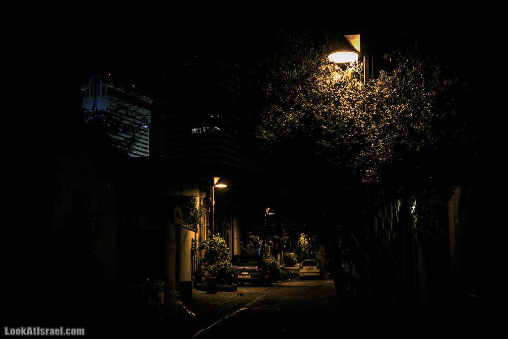 Неве Цедек в чёрном | Neve Tsedek in Black | נווה צדק בשחור | LookAtIsrael.com - Фото путешествия по Израилю