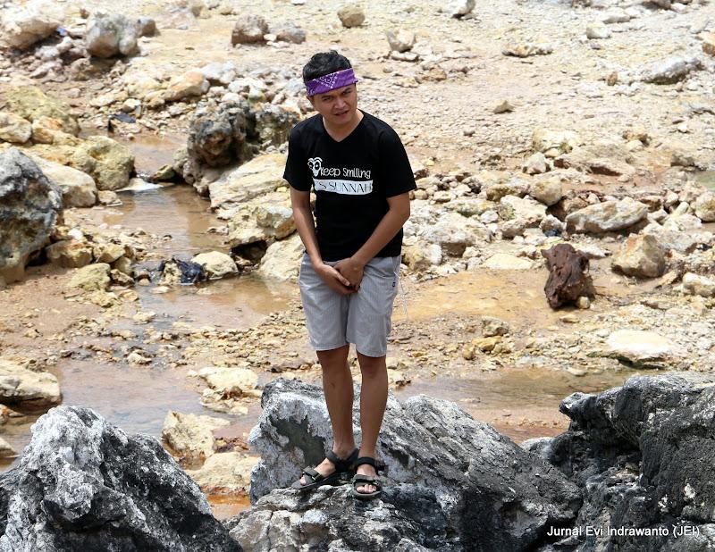 sumber air panas gemburak - Menikmati wisata alam Lampung