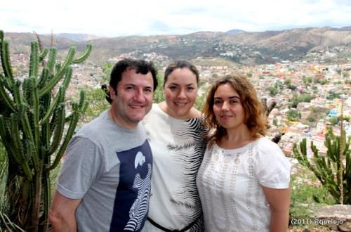 Luz Divina Merchán (@luzdimer), José Ramón Martín (@JRmarting) y la chef Mónica Solís en Casa Colorada (Guanajuato, México)