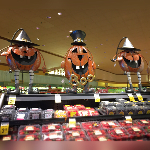 halloween%20decor%20grocery%20store%20August%202015