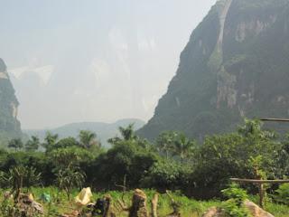 0021The_Road_to_Mai_Chau