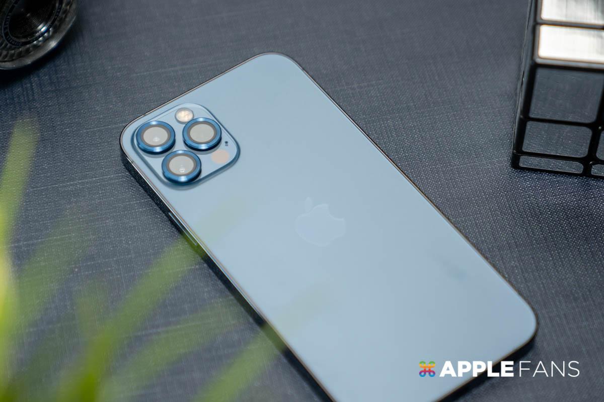 iPhone 12 鏡頭貼