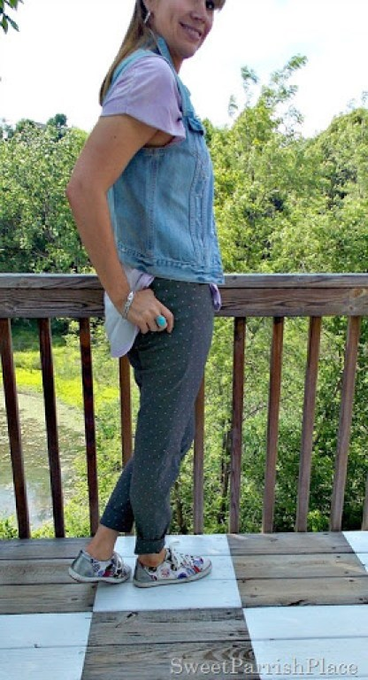 grey polka dot pants, lilac high low shirt, denim vest, sneakers3