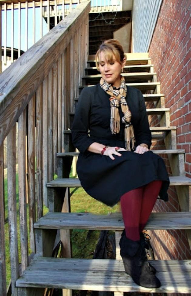 Black-dress-magenta-tights-3