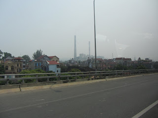 0029Road_to_Halong_Bay