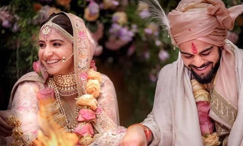 Bollywood Actress Anushka Sharma and Indian cricketer Virat Kohli Blessed with a Daughter