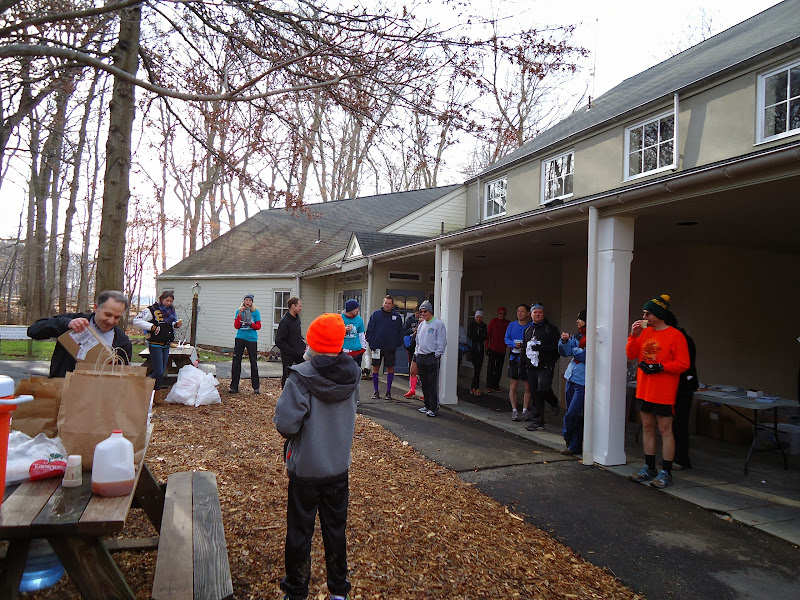 Winter Wonder Run 6K - December 7, 2013 - DSC00501.JPG