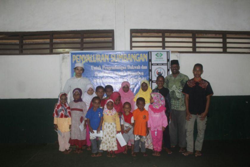KMI, LAZIS NU, dan PCI NU Korea Santuni Anak-Anak Muslim Papua