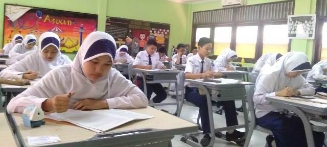 MA Batalkan SKB 3 Menteri tentang Aturan Seragam Sekolah