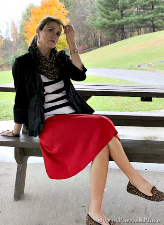 Red-skirt-striped-shirt-leopard-scarf-5