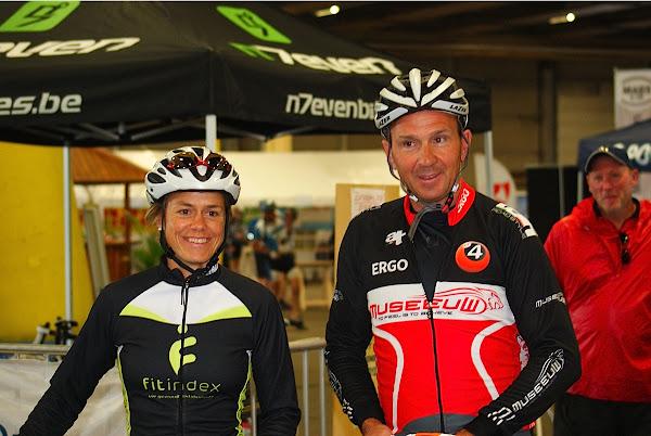 Gella Vandecaveye en Johan Museeuw fietsen mee tijdens West-Vlaanderens Mooiste