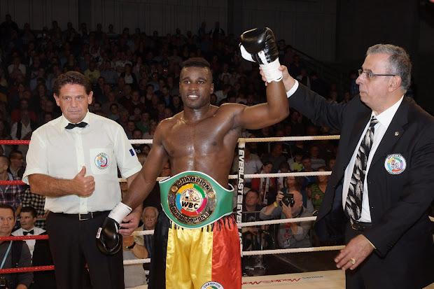 Yves Ngabu WBC Francophone kampioen