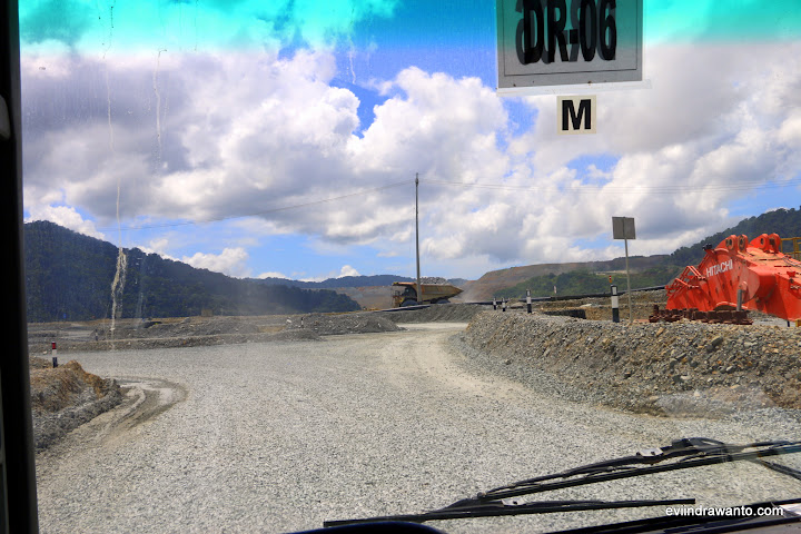 Jalan menuju pit