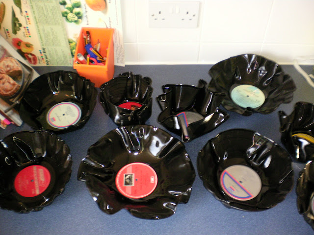 Making Bowls out of Old Vinyl Records (1/6)